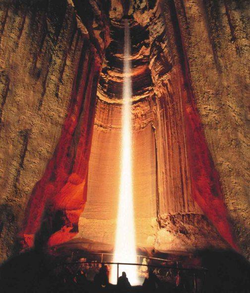Ruby Falls - Cachoeira subterrânea (Foto: divulgação)